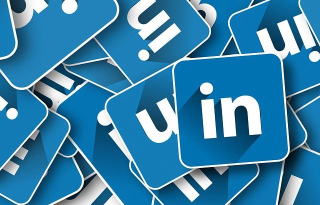 Get Headhunted On LinkedIn!